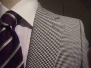 チェックのスーツはビジネスシーンに使える?選び方や着こなしを紹介