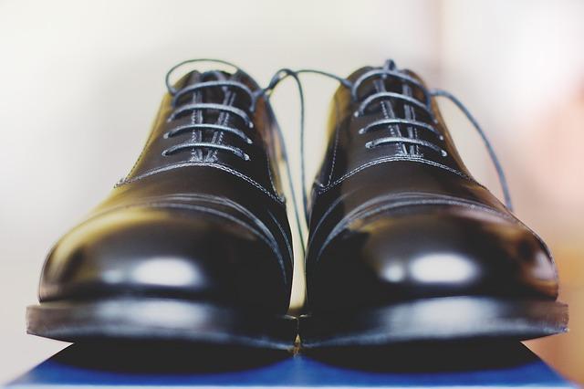 革靴の手入れにはクリーナーが必須!正しいケア方法とおすすめクリーナー