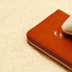 革製品の手入れにワセリンは効果的?具体的な手入れ方法や注意点を紹介