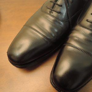 革靴にできるシワの原因は?シワを伸ばす方法とおすすめグッズも紹介