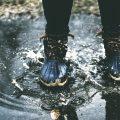 革製品が濡れた!財布やバッグなどを水シミから守る対処法とは?