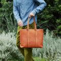 土屋鞄製作所のトーンオイルヌメデイリートートバッグの使い心地やケア方法は?実際のユーザーの口コミもご紹介!